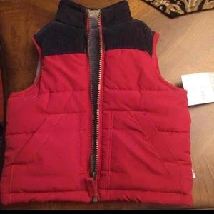 New without tag 12 month Carter's red vest!